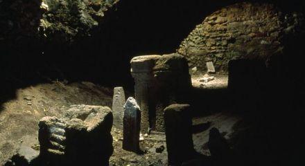 crypt-phoenician-tophet_2950_600x450.jpg